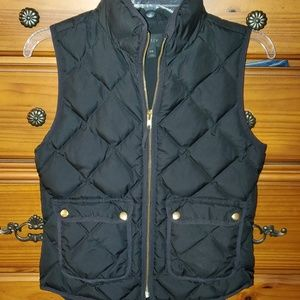 J. Crew quilted puffer black vest